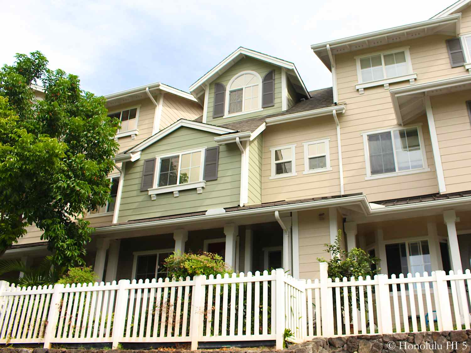 Nanea Kai Hawaii Kai Condos - Low-rise Townhomes with Small Patio