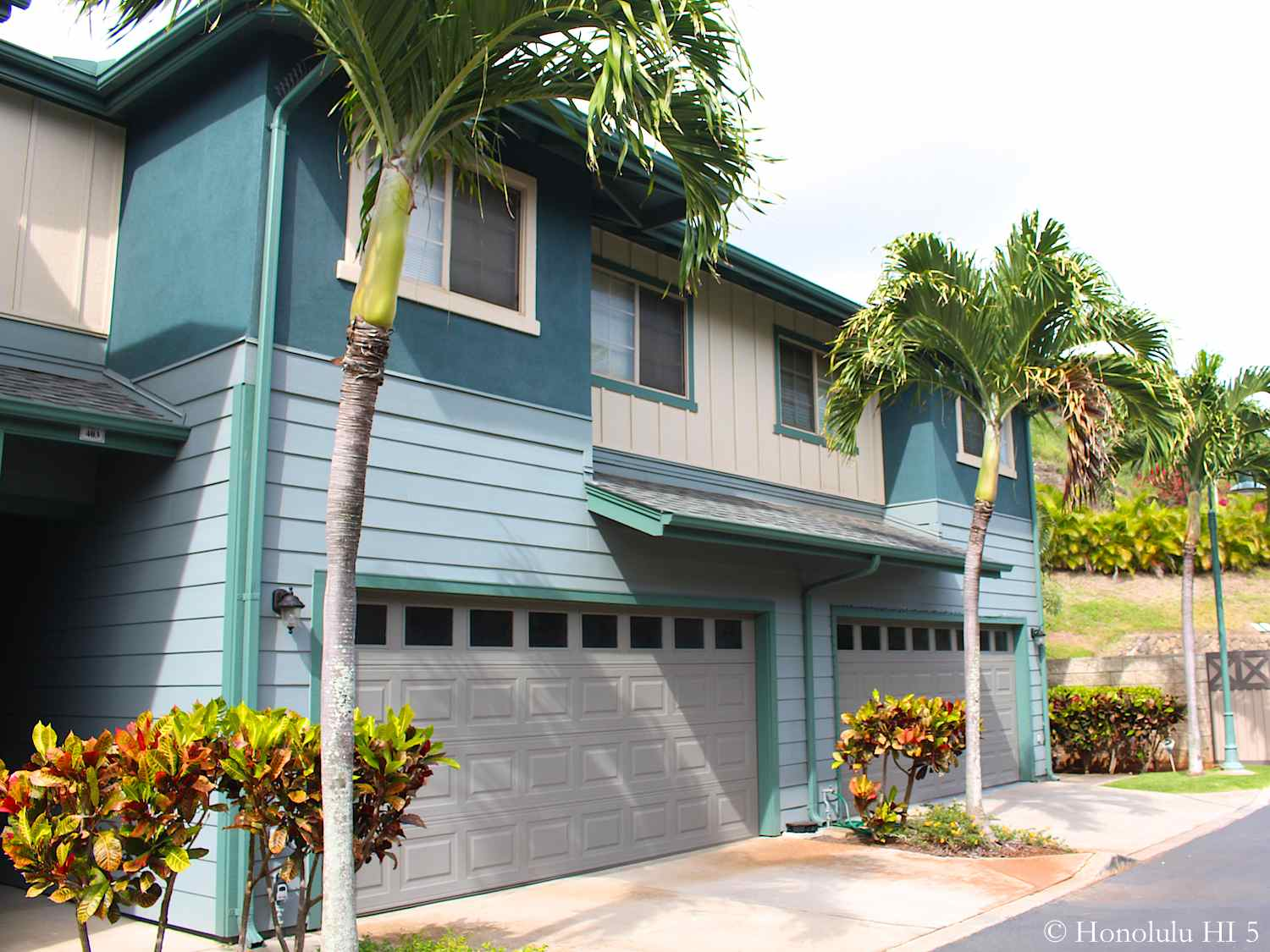Moana Kai Townhome in Hawaii Kai in Turquoise Color