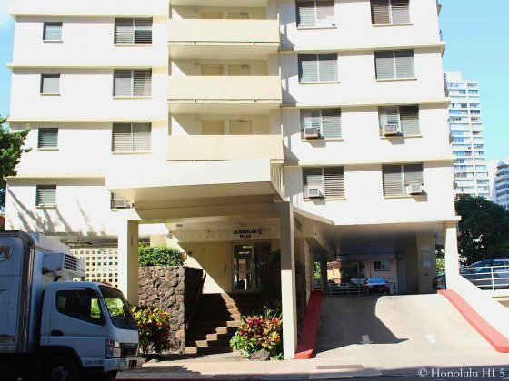 Liliuokalani Plaza Condo Entrance in Waikiki