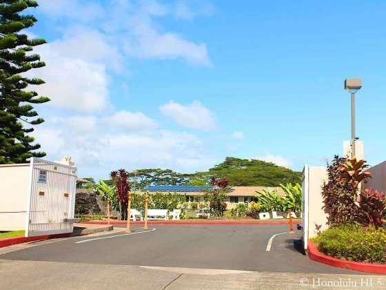 Entrance to Olaloa Condos in Mililani Mauka
