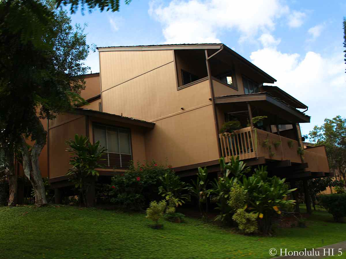 a Townhome in Parkway Kaneohe with Large Balcony