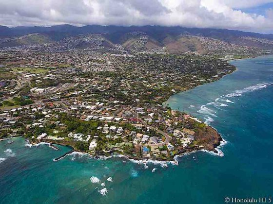 Diamond Head Region Homes, Including Black Point, Kahala and Beyond - Aerial Photo