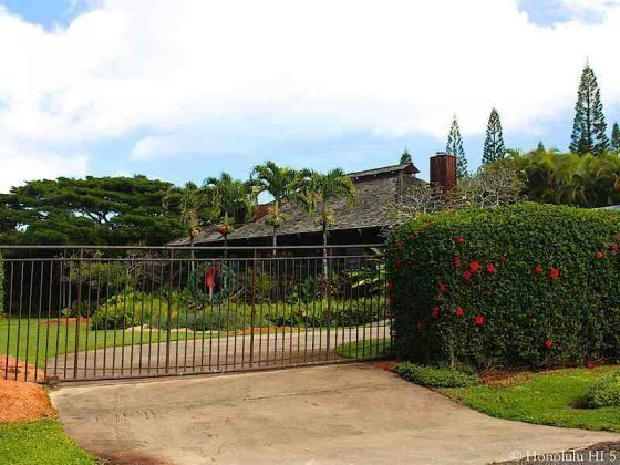 Home in Pupukea Behind Gate