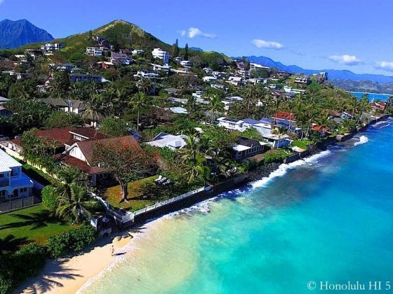 Lanikai Homes With Seawall Separating Homes from Ocean