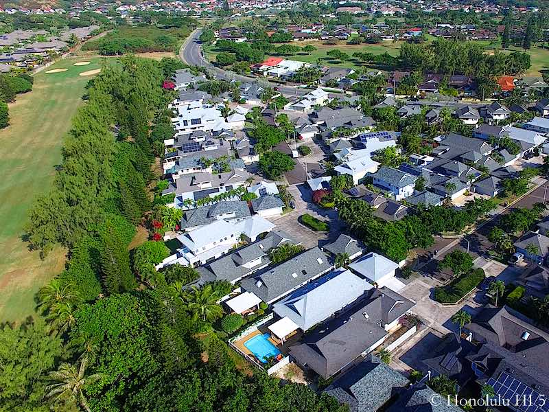 Golf Fronting Homes in Laulima - Aerial Photo