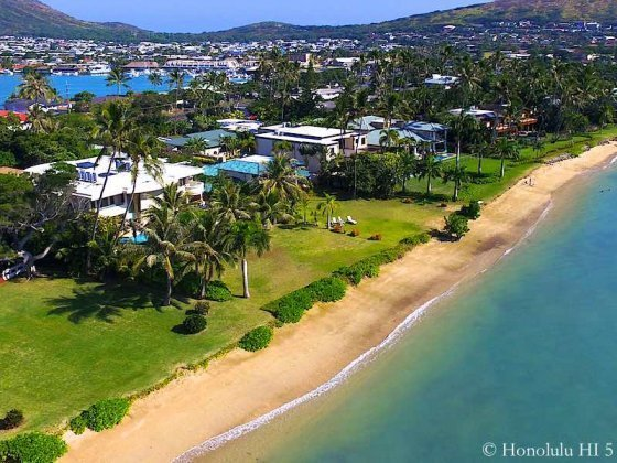 Beachfront Homes in Portlock Honolulu - Drone Photo