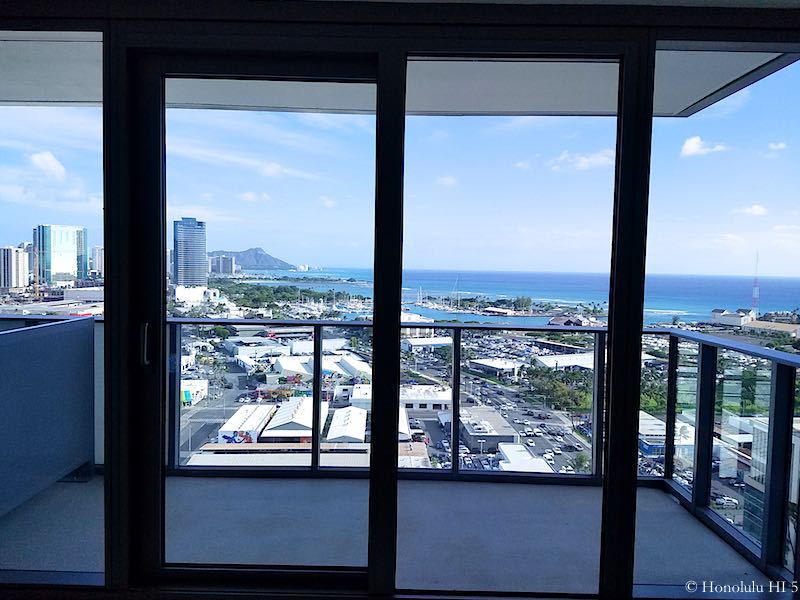 Collection Honolulu Balcony with Ocean, Harbor and Diamond Head Views