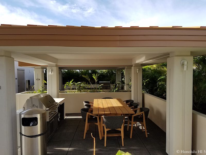 Collection Honolulu Cabana with Dining Table and Barbecue Station