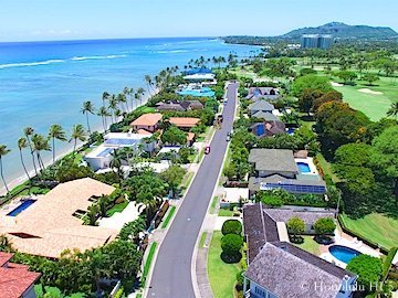 Honolulu Luxury Homes - Some Beachfront and Other Homes Golf Course Front