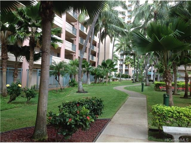 Country club village 2006 honolulu hi 479k condo for - 1 bedroom apartment salt lake hawaii ...
