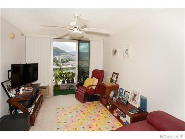 1448 Young St #1004 (Makiki) 201622800 photo 2