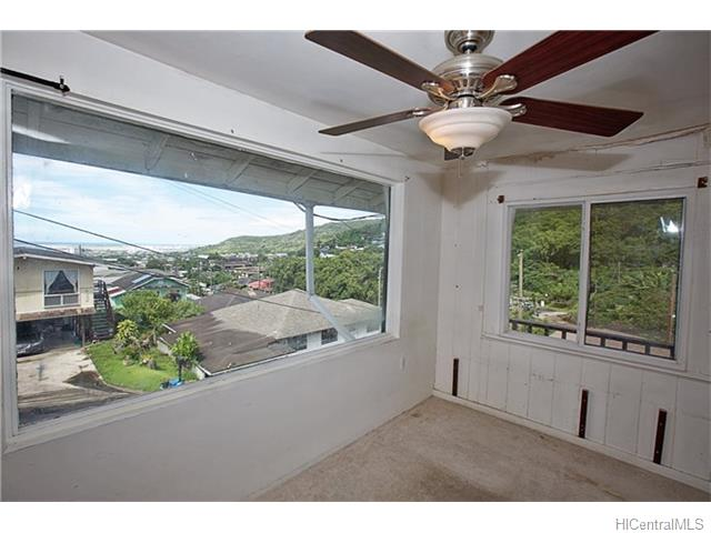 1586 Pahulu Street (Kalihi/Liliha) 201623187 photo 16
