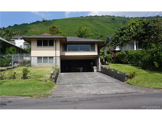 2424 Manoa Road