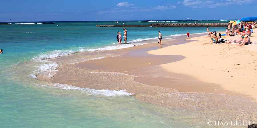 Stunning Waikiki Beach. Yes, Waikiki - not the Maldives.
