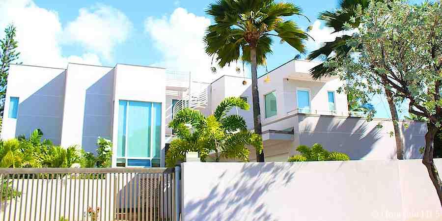 Modern House in Niu Beach