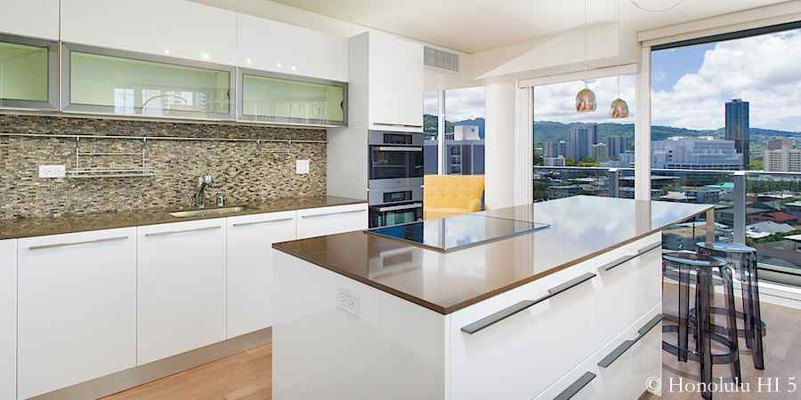 Moana Pacific #903 remodeled Valdesign kitchen