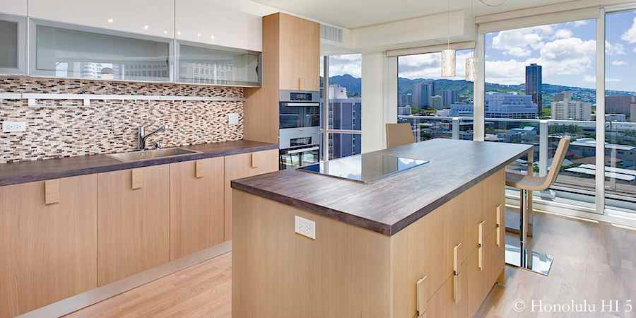 Moana Pacific #1503 remodeled Valdesign kitchen