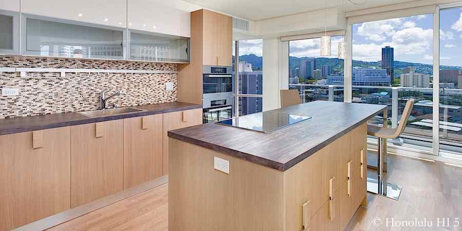 Moana Pacific #1503 remodeled Valdesign kitchen