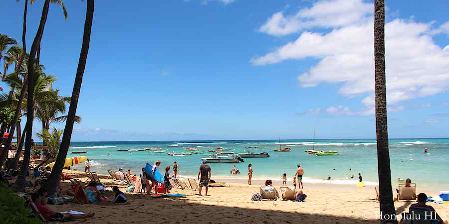 outrigger-canoe-club-beach