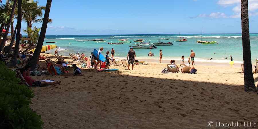 Outrigger Canoe Club Beach