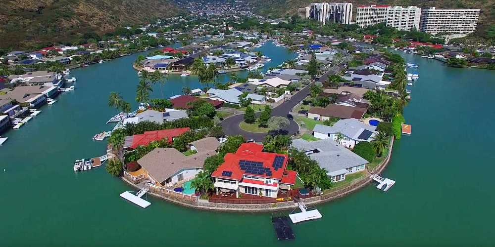 Spinnaker Isle Marina Front Homes in Hawaii Kai - Aerial Photo