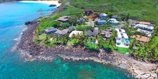 Waimea Oceanfront Homes - Aerial Photo