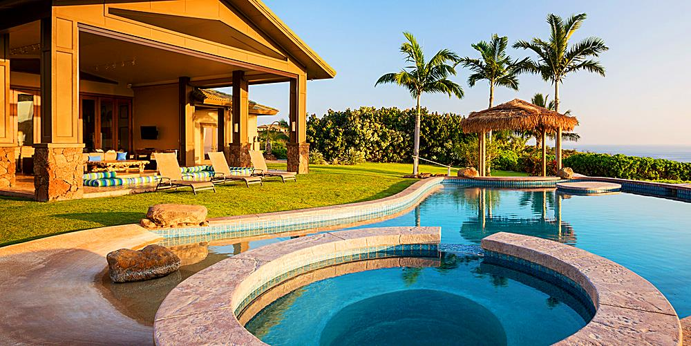 Luxury Hawaii Home - Pool and Patio