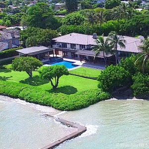 Oceanfront Luxury House in Aina Haina Beach