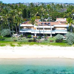 4747 Kahala Ave Luxury Beachfront House