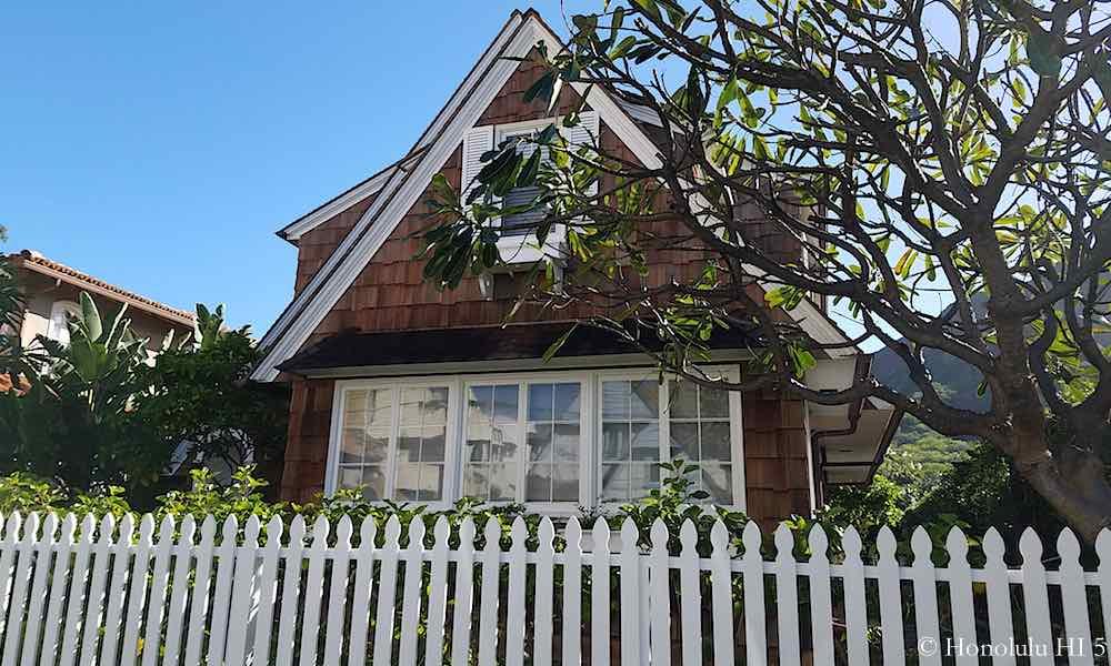 3026 Kalakaua Ave - a Historic Home