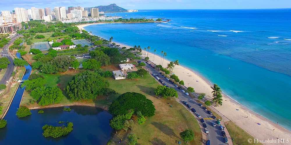 Ala Moana Beach Park Surf Cam
