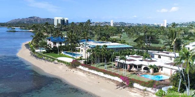 Luxury Beachfront Homes in Honolulu