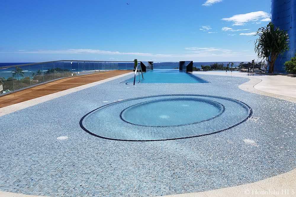 Anaha Hot Tub and Pool