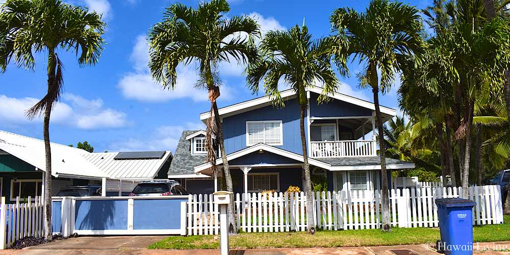 Charming Blue Home in Mokuleia