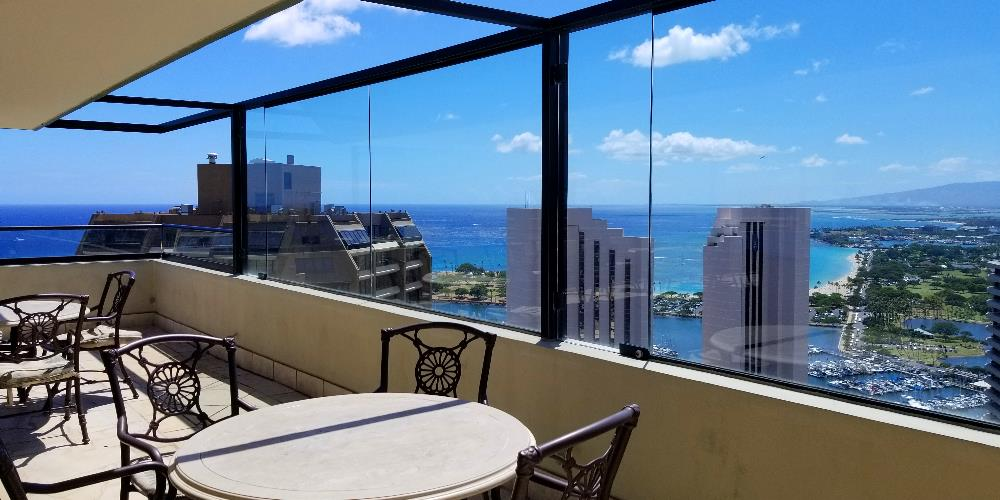 The Windsor - Waikiki condo roof deck